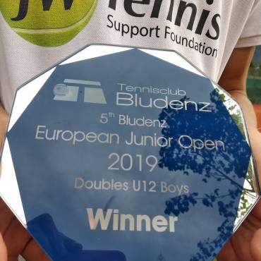 Dawid Lewandowski kontynuuje świetną passę w turniejach Tennis Europe.